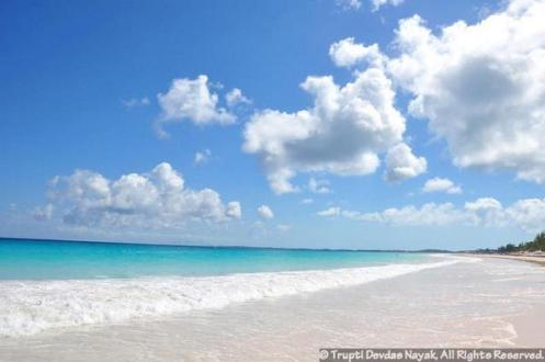 Pink-Sands-Beach-Bahamas-Eleuthera